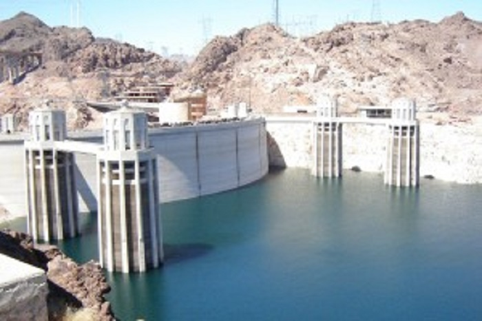 Iran Wirtschaft Bild eines Staudamms