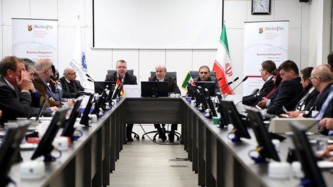 Reise nach Iran: Wirtschaftsdelegation aus Rheinland-Pfalz bei der Handelskammer Alborz