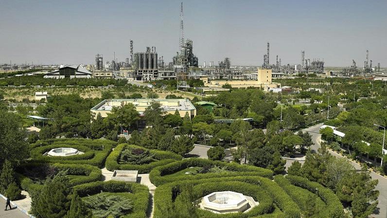 Reise nach Iran: Petrochemisches Werk in Täbris
